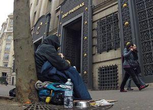 Pendant ce temps la pauvreté...