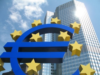 L'UE c'est la fusion de nos économies dans la BCE.